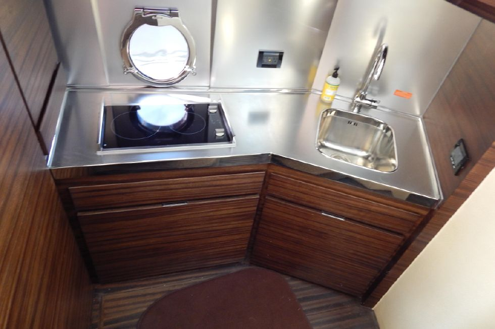 2012 Azimut 40S - Galley View