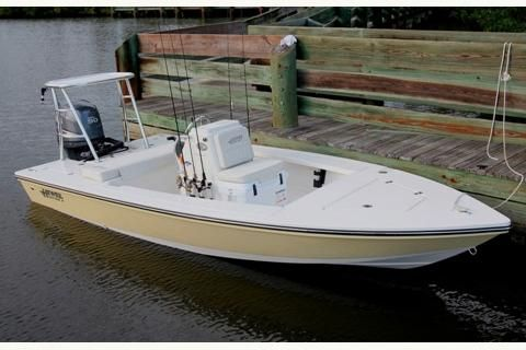 2018 Hewes Redfisher 16