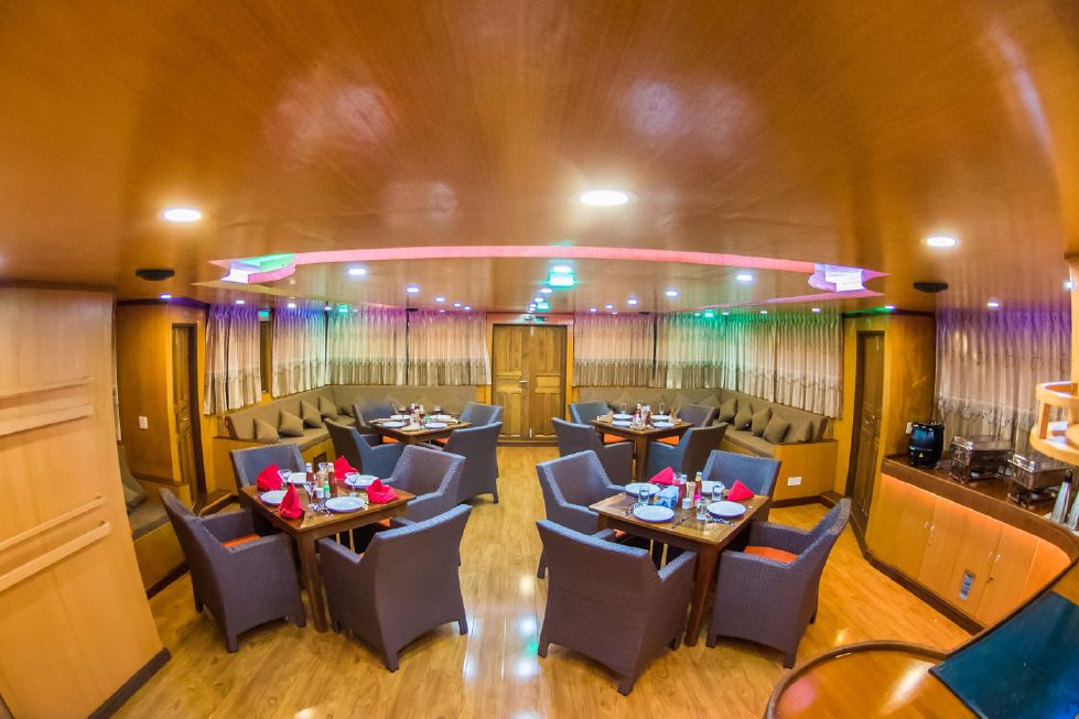 Custom 110 Motor Yacht Dining and Lounge