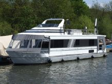 1999 Monticello River Yacht 60