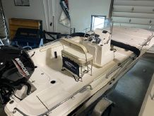 2020 Carolina Skiff 19LS Center Console