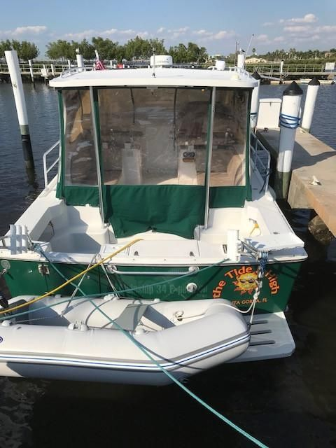 Mainship 34 Pilot pilothouse enclosure