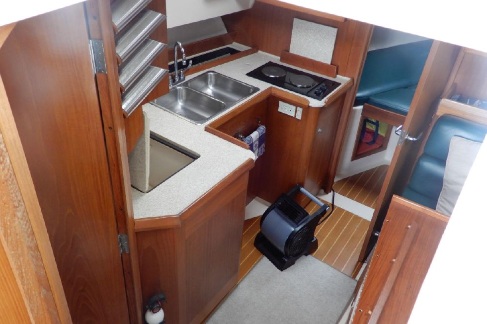 Mainship 34 Pilot galley layout