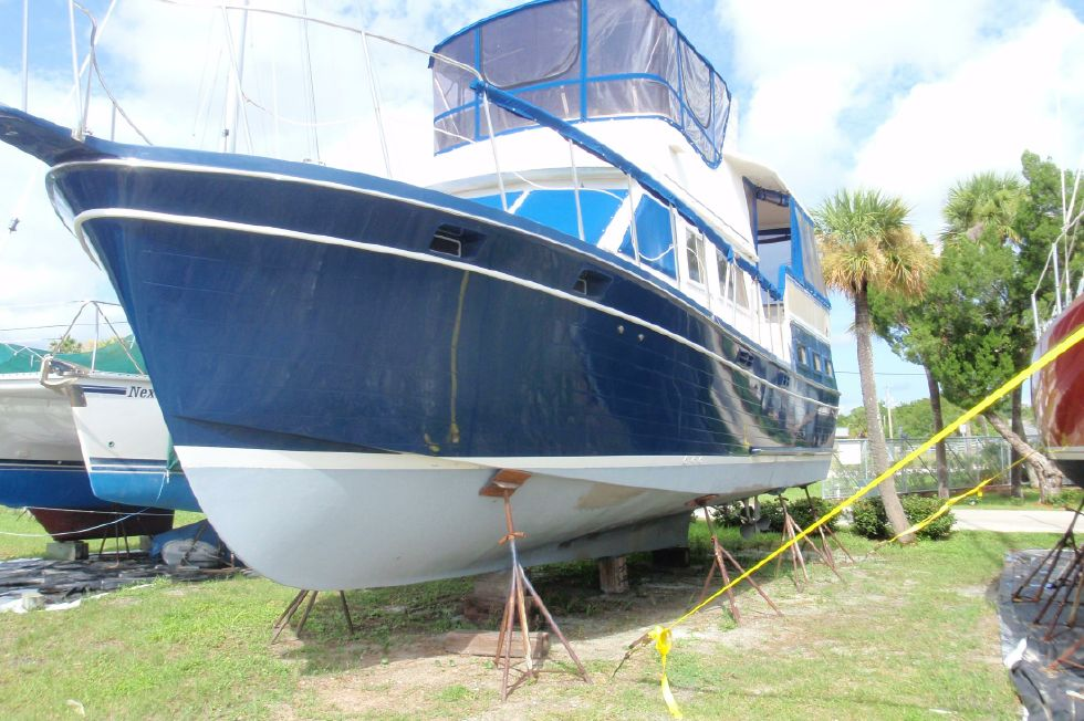 1983 Marine Trader Labelle - Port Bow