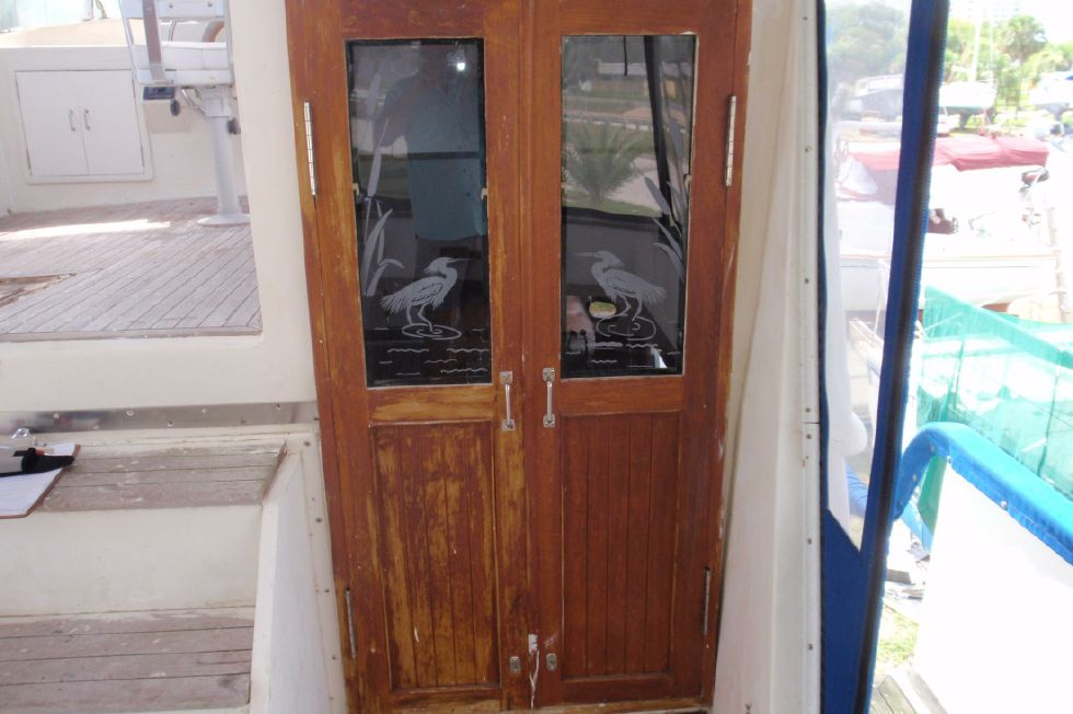 1983 Marine Trader Labelle - Door From Sun Deck to Main Salon