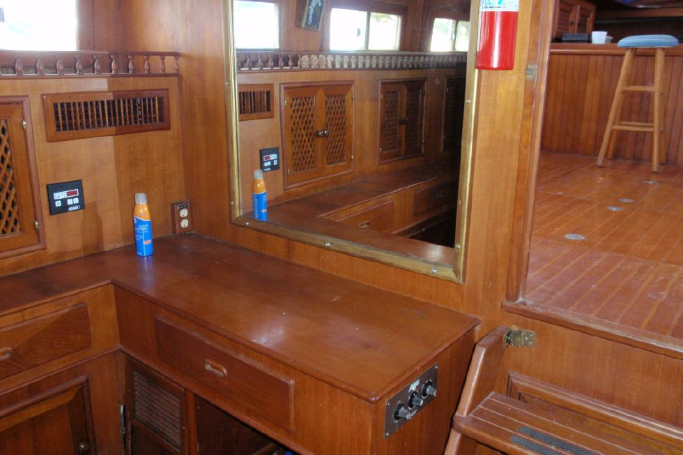 1983 Marine Trader Labelle - Aft Cabin Vanity and Mirror