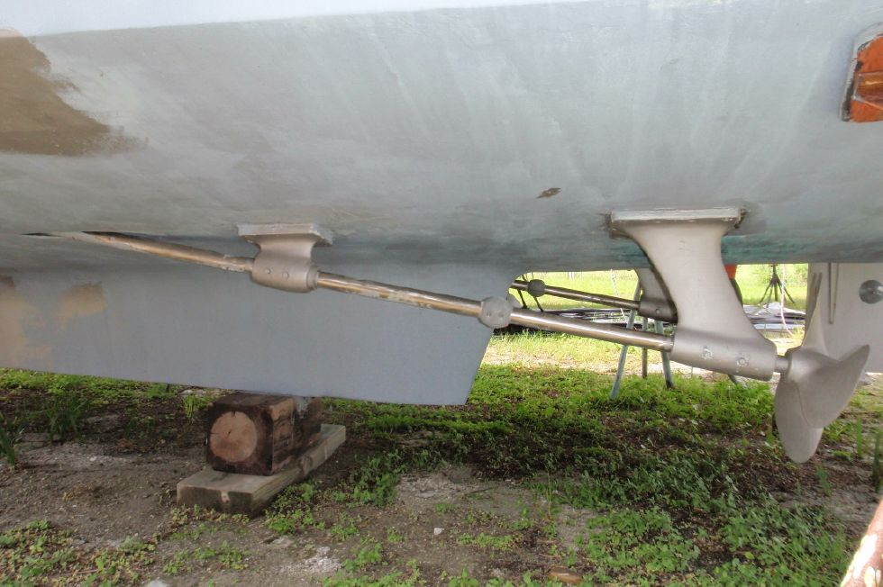 1983 Marine Trader Labelle - New Shafts