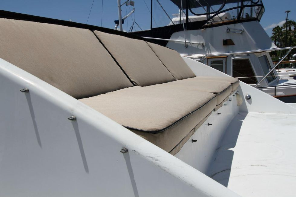 1985 Chris-Craft CONSTELLATION 500 - Forward Seating, New Cushions 2011