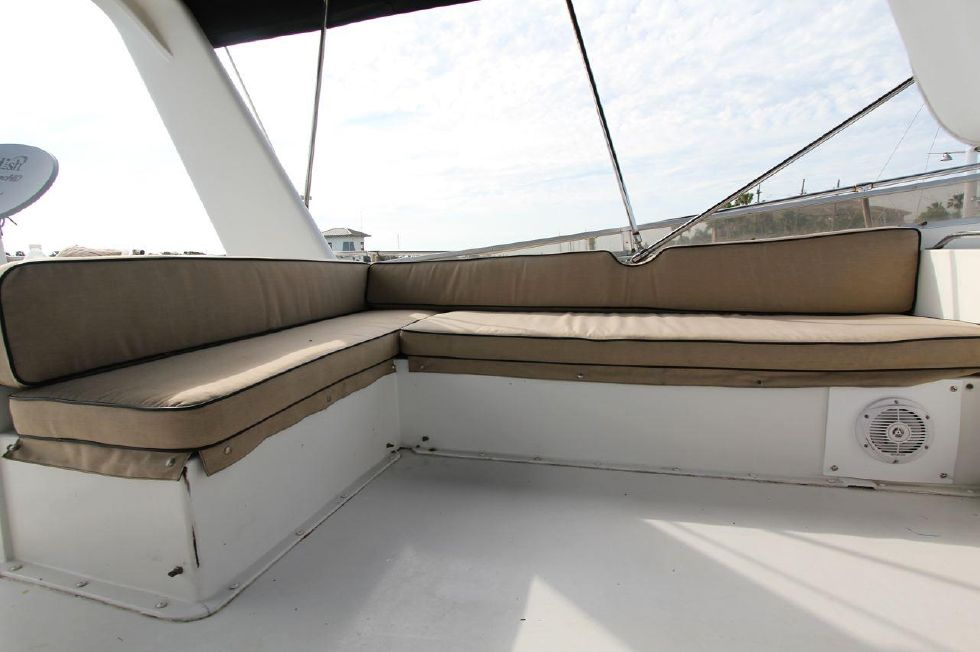 Flybridge Seating New cushions 2011