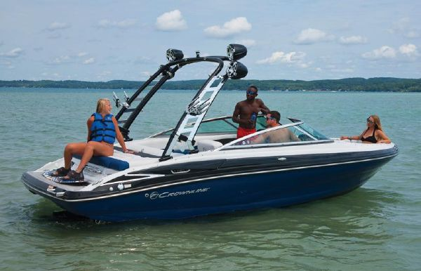 2018 Crownline 225 SS