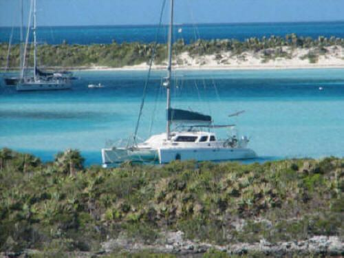 1998 Voyage 430 Owner's Version - Anchored up in the Bahamas