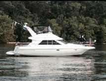 1997 Cruisers Yachts 3580 Flybridge