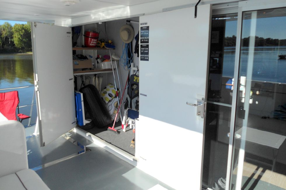Flybridge Power Catamaran Storage & Salon Entry