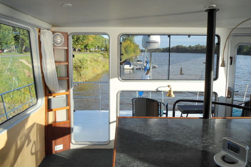 Flybridge Power Catamaran Flybridge Aft