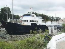 1973 Houseboat Floating Accommodation