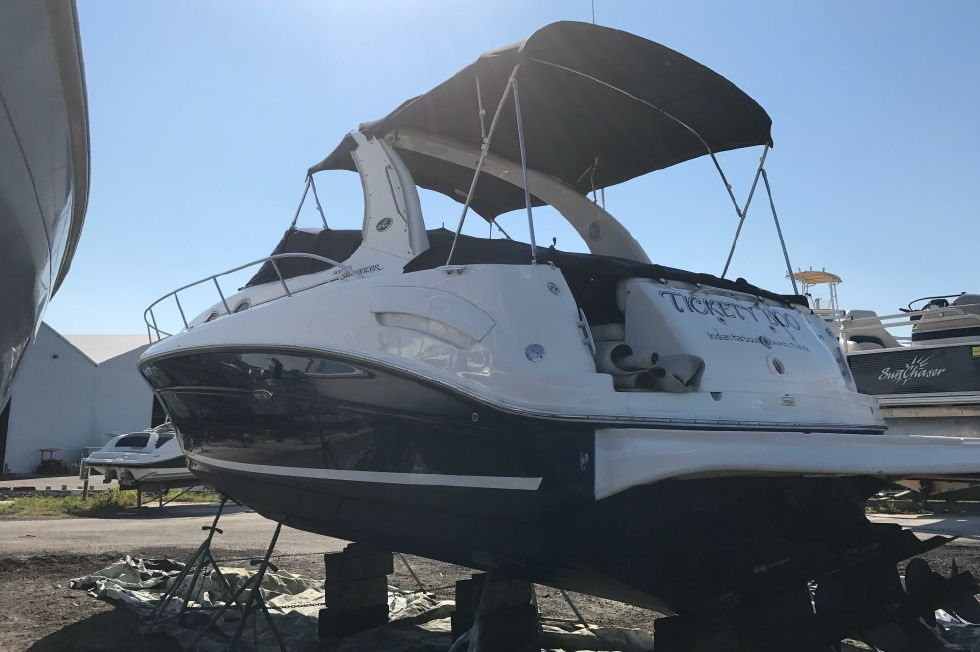 Sea Ray 300 Sundancer Stern