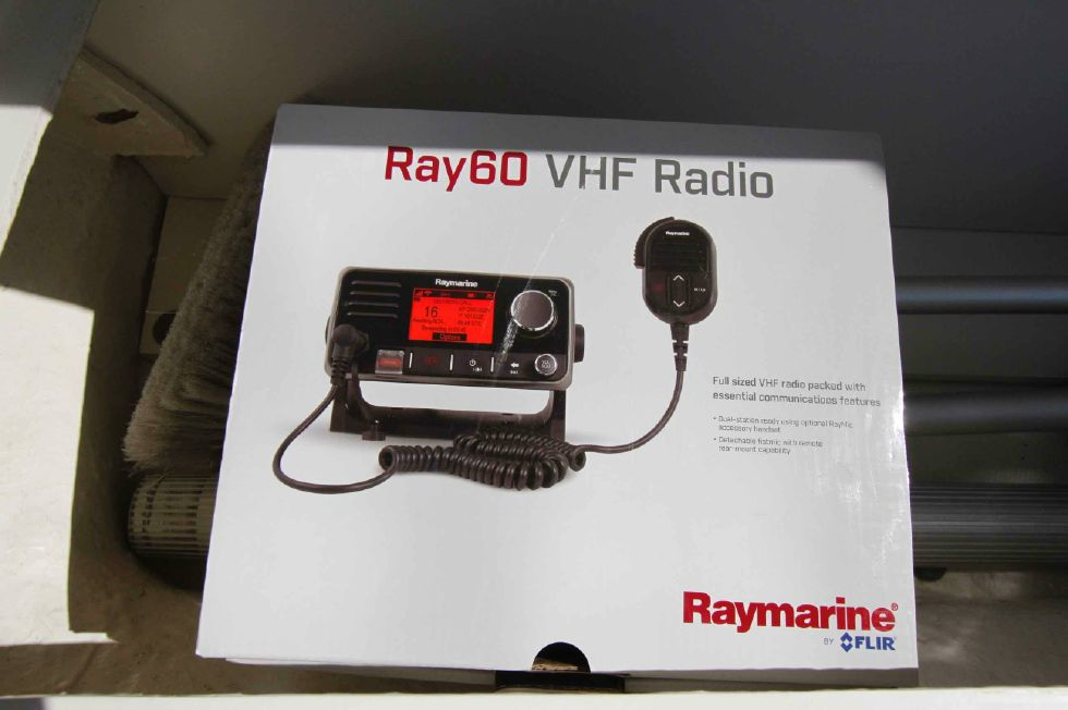 Sea Ray 300 Sundancer New VHF to Install