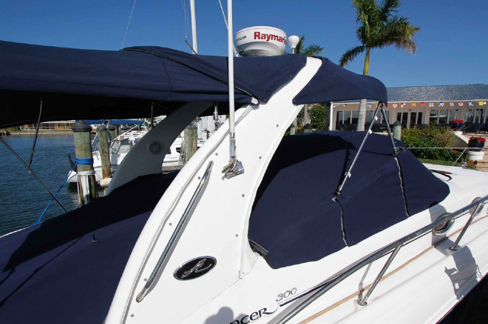 Sea Ray 300 Sundancer Arch w/Cover