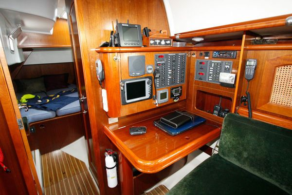 1996 Beneteau Owners Version 3 cabin 3 head - Nav Station