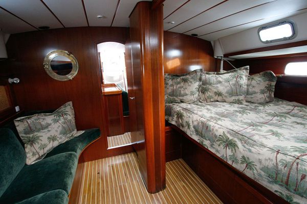 1996 Beneteau Owners Version 3 cabin 3 head - Master Berth