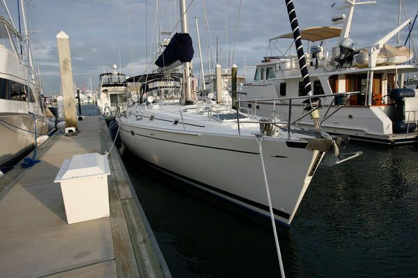 1996 Beneteau Owners Version 3 cabin 3 head - Bow