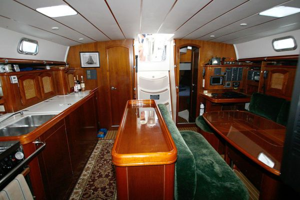 1996 Beneteau Owners Version 3 cabin 3 head - Galley to Salon