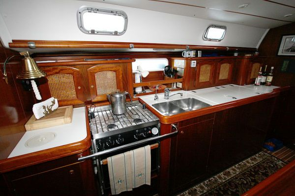 1996 Beneteau Owners Version 3 cabin 3 head - Galley