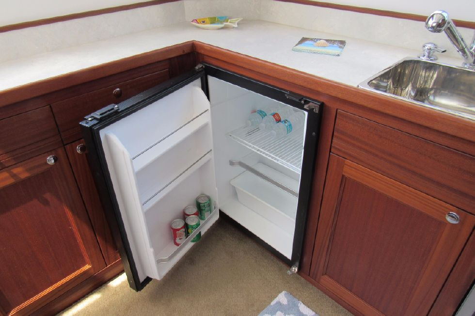 2014 Nordic Tugs 34 - Super Clean Fridge