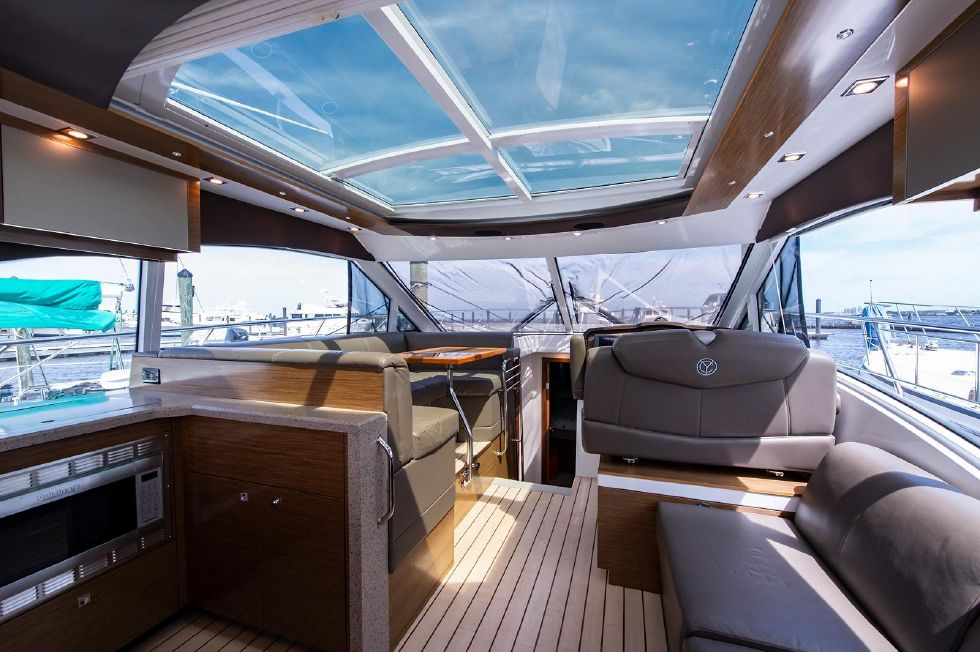2013 Cruisers Yachts 45 Cantius 45 Boats for Sale - MCA Yachts