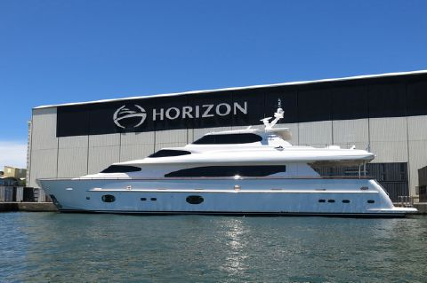 2013 Horizon RPH 105 with SKYLOUNGE