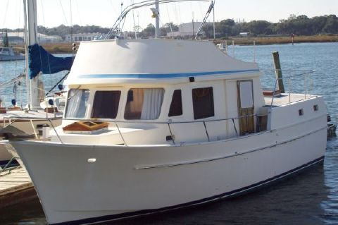 1977 Chien Hwa Sundeck Trawler - Photo 1