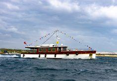 2004 Classic Taka Motor Yacht