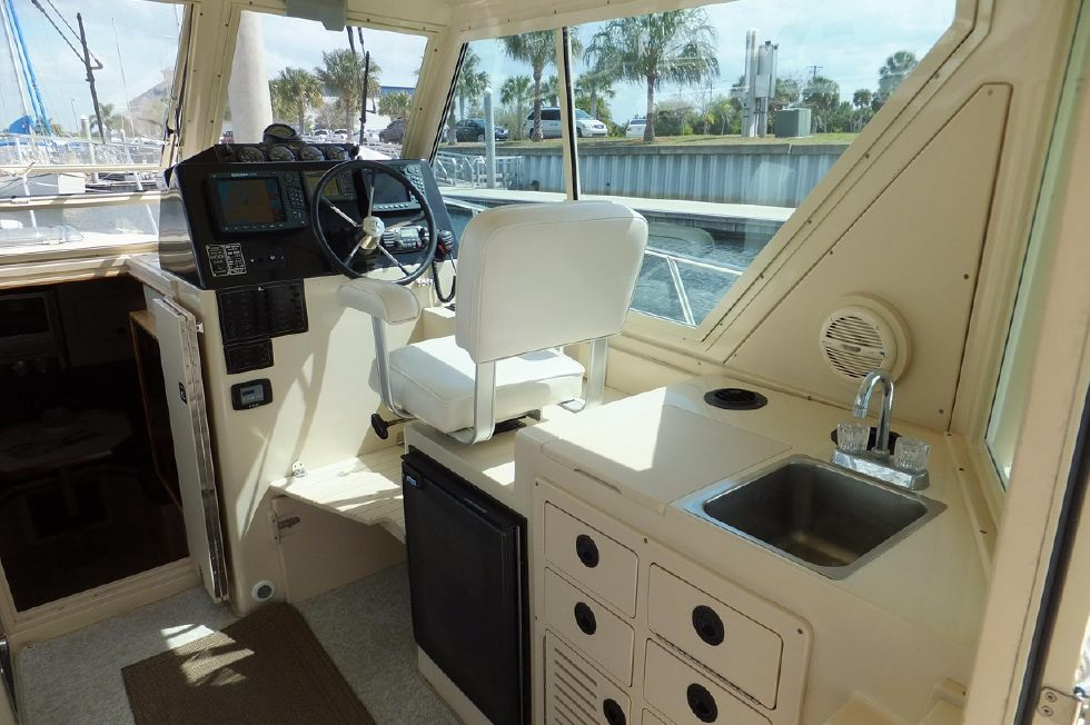 Albin 31 TE Pilothouse 2
