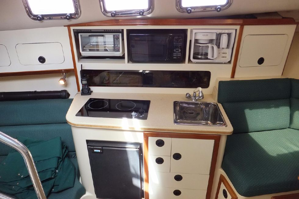 Albin 31 TE Galley