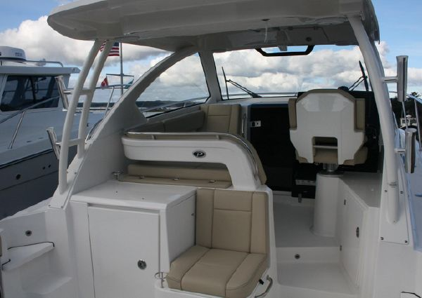 Pursuit OS 325 Offshore image