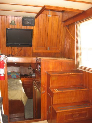 1984 Marine Trader 44' Three Stateroom Sundeck - Steps from salon to aft deck
