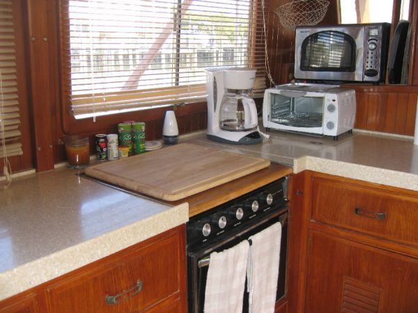 1984 Marine Trader 44' Three Stateroom Sundeck - Galley