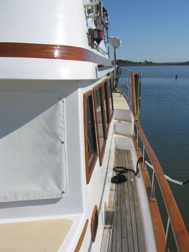 1984 Marine Trader 44' Three Stateroom Sundeck - Port side