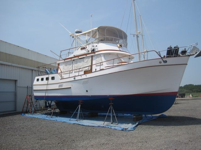 1984 Marine Trader 44' Three Stateroom Sundeck - On the hard