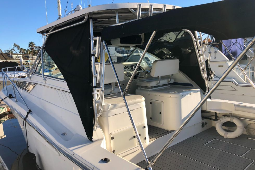1995 Wellcraft Coastal 330