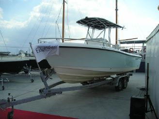 2004 Edgewater 225CC