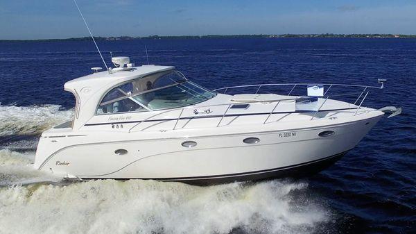Rinker 410 Hardtop Express Cruiser