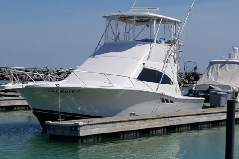 2000 Luhrs 36 Convertible Sport Fish - In Water