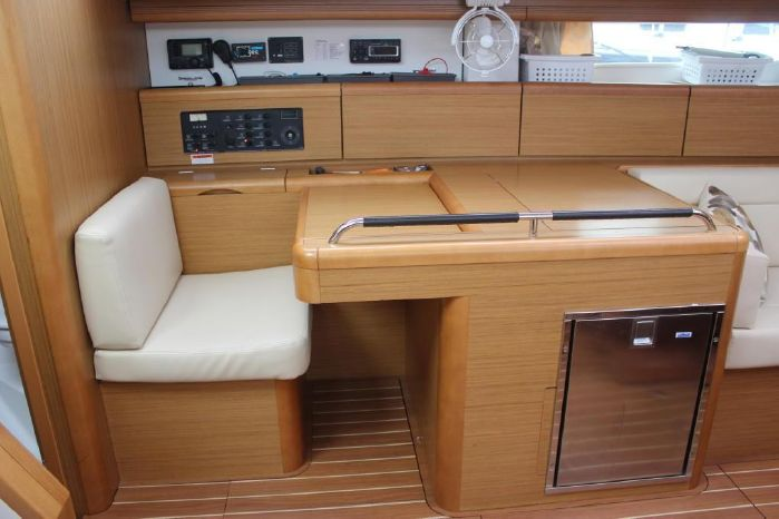2009 Jeanneau BoatsalesListing Purchase