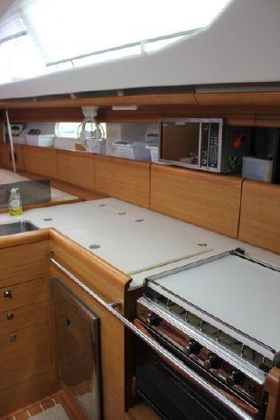 2009 Jeanneau Broker BoatsalesListing
