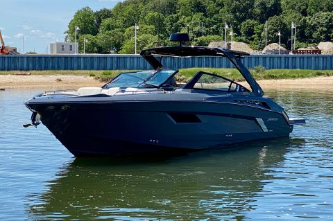 2016 Cruisers Yachts 338 South Beach Edition Bow Rider