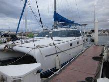 2000 Endeavour Catamaran 35