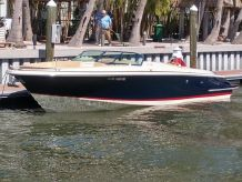 2013 Chris-Craft Launch 32