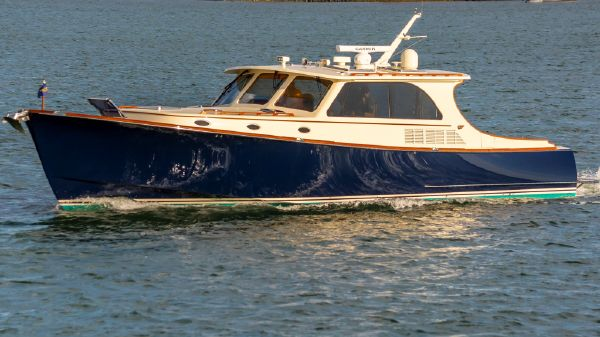 Hinckley Talaria 48 IPS Motor Yacht Magic 2