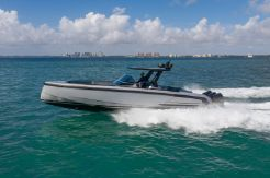 2021 Vanquish Yachts VQ40